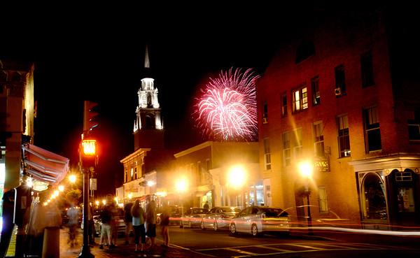 Newburyport: The Yankee Homecoming fireworks explode over Pleasent Street. Jim Vaiknoras/staff photo August 4, 2013