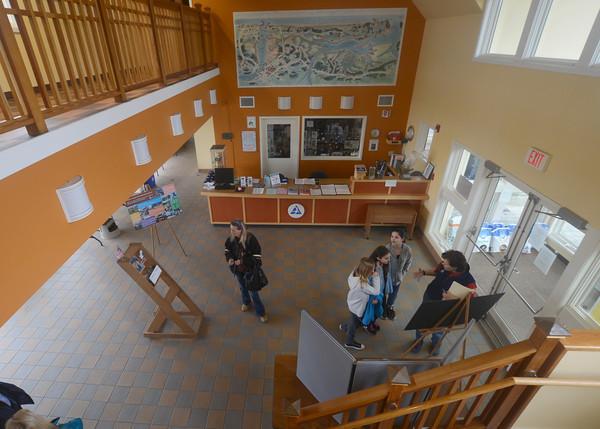 Newbury: Lisa Hutchings talks with volunteer candidates at Audubon Society Joppa Flats Education Center. Jim Vaiknoras/staff photo