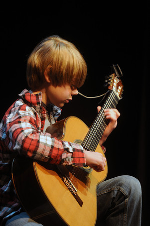 Newburyport:  Quentin Callewaert , 12, will be performing at the Firehouse in Newburyport on April 24, with classical guitarist Adam Levin.<br /> Jim Vaiknoras/staff photo