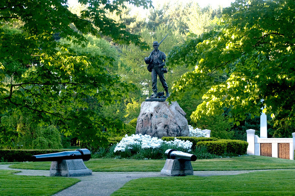 JIM VAIKNORAS/Staff photo  Civil War Memorial at Atkinson Common in Newburyport.