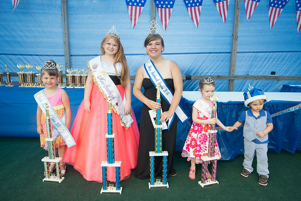 JIM VAIKNORAS/Staff photo Little Miss Seabrook, Mackenzie Goldberg,Jr Miss Seabrook Daisy Mace, Miss Seabrook Erin O'Hara, Baby Miss Seabrook Alexis Brown , and Baby Boy Seabrook Nilan Cambolini at Seabrook Old Home Days Saturday at Seabrook Elementary School.