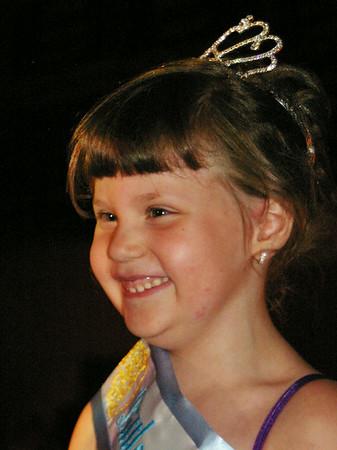 ANGELJEAN CHIARAMIDA/Staff Photo. 2014 Little Miss Seabrook Mackenzie Goldberg.