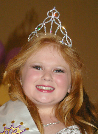 ANGELJEAN CHIARAMIDA/Staff Photo. Daisy Mace, Junior Miss Seabrook 2014.
