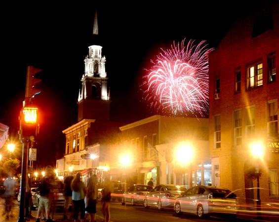 Newburyport: The Yankee Homecoming fireworks explode over Pleasent Street.2013  Jim Vaiknoras/staff photo