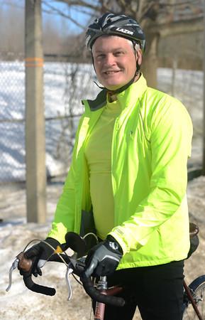 newburyport: Cyclist Keith Harris. Jim Vaiknoras/staff photo