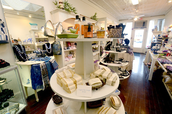 Newburyport: BC Essentials on Pleasent Street in Newburyport. Jim Vaiknoras/staff photo