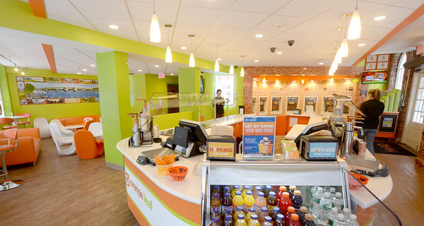 Newburyport: Orange Leaf in Market Square in Newburyport. Jim Vaiknoras/staff photo