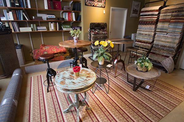 newburyport: Donna Michael's in Newburyport. Jim Vaiknoras/staff photo