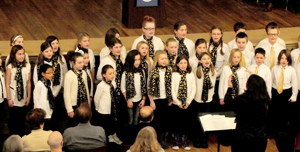 "Newburyport: The Molin School Children's Chorus performed ""Cape Cod Chantey"" Traditional at the inauguration ceremonies. Bryan Eaton/Staff Photo"