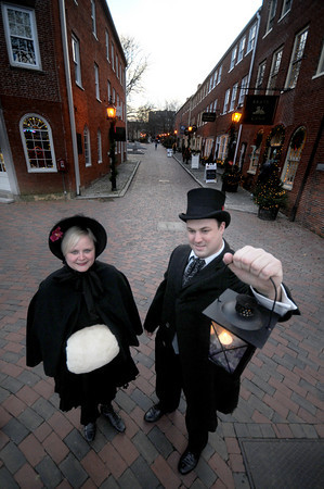 Newburyport: Nichole Ferree and Rhys Babich of Newburyport Tours pose on Inn Street in Newburyport. Jim Vaiknoras/Staff photo