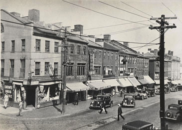 Newburyport: Old photos, like this of Newburyport at State and Pleasant Streets, maps and other instructions are on the Clipper Heritage Trail's website. Courtesy of the Newburyport Public Library Archival Center.
