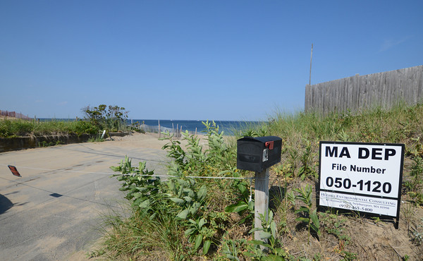 Newbury; Empy lot at 34 Fornham Way on Plum Island site of one of the houses lost this past winter. Jim Vaiknoras/staff photo