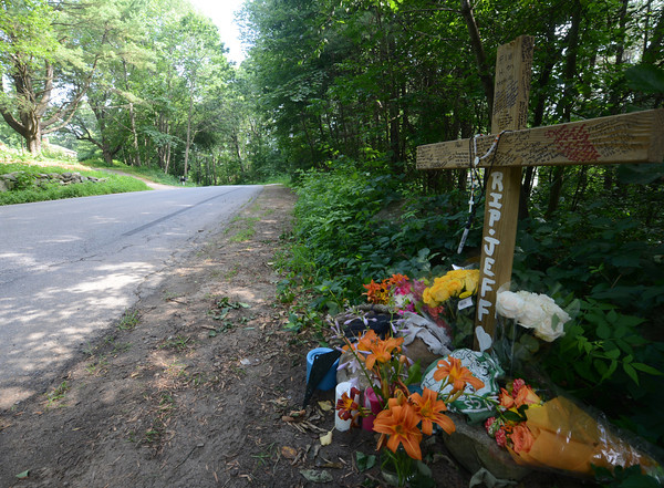 merrimac: A memorial on Hadley Road in Merrimac at the site of a motorcycle accident which killed Jeff Gilbert of Amesbury Sunday. Jim Vaiknoras/staff photo