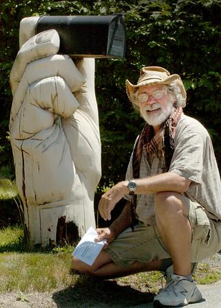 BRYAN EATON/Staff photo. Groveland artist Justin Gordon.