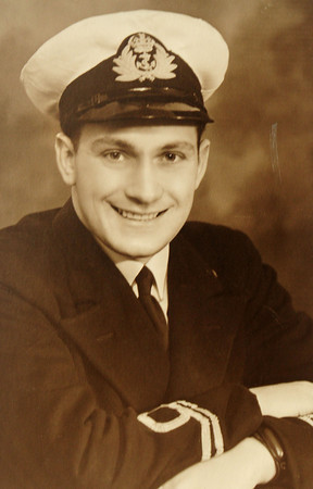 BRYAN EATON/Staff Photo. Geoffrey Mullis joined the Royal Navy before the outbreak of World War II and served almost seven years.