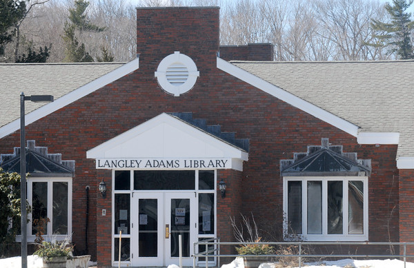 groveland: Langley Adams Library in Groveland. Jim Vaiknoras/staff photo