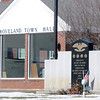 Groveland. Groveland Town Hall and Veteran's Memorial. Jim Vaiknoras/staff photo