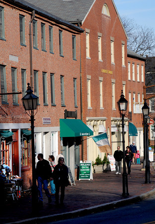 Newburyport: Shoppers walk along North Row in Newburyport on a bright cold November afternoon. Jim Vaiknoras/staff photo