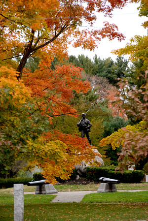 JIM VAIKNORAS/Staff photo <br /> The Civil War Memorial in Atkinson Common in Newburyport is surrounded by teh brilliant colors of fall.