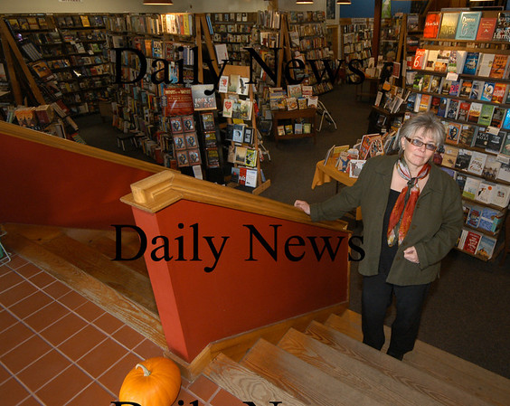 Newburyport:Sue Little at her book store Jabberwacky in Newburyport.<br /> Photo by Jim Vaiknoras/Newburyport Daily News Saturday, November 10, 2007