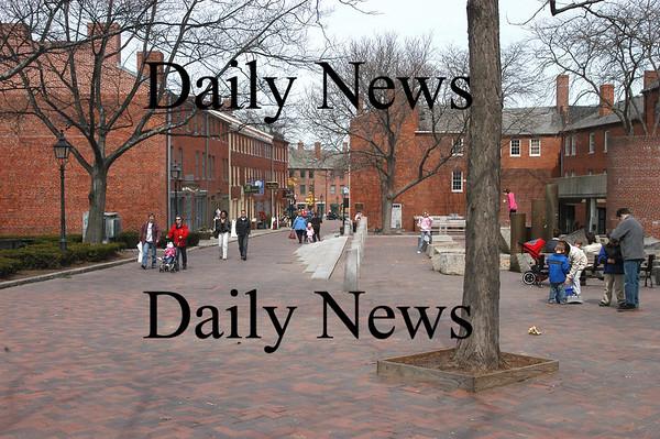 Newburyport: Inn Street<br /> Photo by Jim Vaiknoras/Newburyport Daily News. Sunday, April 1, 2007