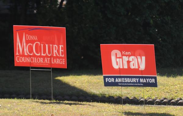 Amesbury: Politcal sign along Hillside Avenue in Amesbury: Jim Vaiknoras/staff photo