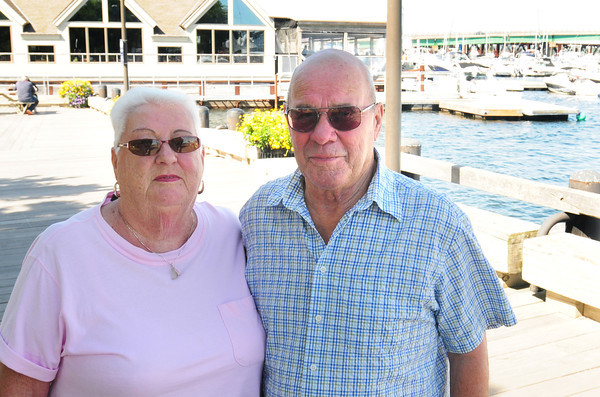 Newburyport: Gerri and Jack Beck. Bryan Eaton/Staff Photo