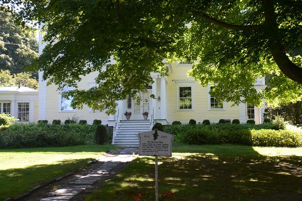 JIM VAIKNORAS/staff photo  63 High St in Newburyport Pike-Cushing-Bachman House (1810),
