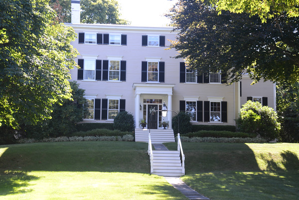 JIM VAIKNORAS/staff photo 61 High St. Gerrish-Hill house (1799),