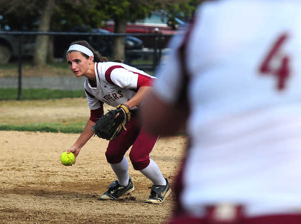 JIM VAIKNORAS photo Newburyport's Jade Carpenter gets ready to throw out a runner during the Clippers game against North Andover at Pioneer Park in Newburyport Thursday.