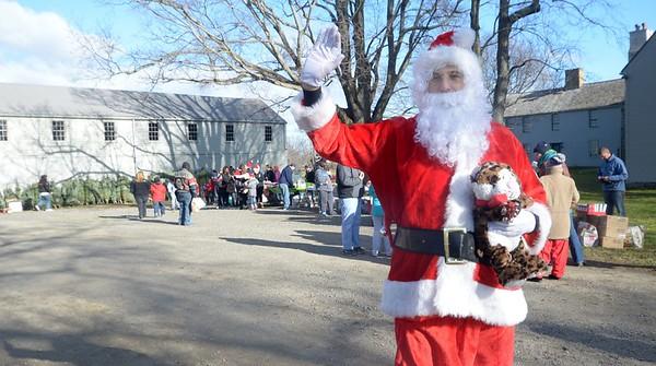 161203 NT JVA trees 4.jpg Christmas Tree Santas