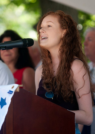 JIM VAIKNORAS/Staff photo Arianna Guldemond sings the National Anthem Old Fashioned Sunday on the Mall in Newburyport Sunday.