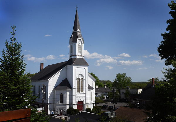 BRYAN EATON/Staff photo. The Market Street Baptist Church in Amesbury viewed from Linwood Place.