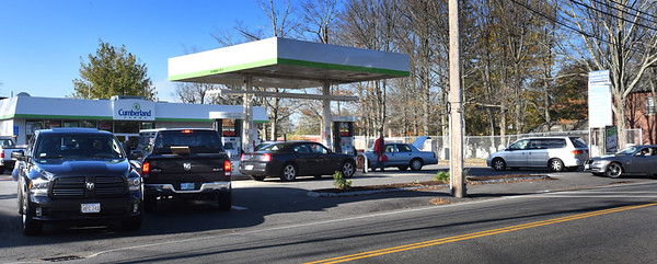 BRYAN EATON/Staff photo. While some gas stations were closed due to the power outage, some like Cumberland Farms on Elm Street in Amesbury picked up the slack.