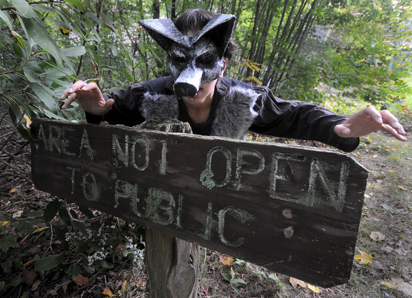 newburyport:Colin Sarff as a werewolf, in the annual Theater in the Open's Maudslay is Haunted. Jim Vaiknoras/Staff photo<br /> , newburyport:Colin Sarff as a werewolf, in the annual Theater in the Open's Maudslay is Haunted. Jim Vaiknoras/Staff photo