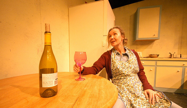 """Newburyport: <br /> Julie Arensman in """"Shirley Valentine"""" a one woman show playing at the Firehouse Sept 7th -17th.<br /> Photo by Jim Vaiknoras/Newburyport Daily News. Monday, September 4, 2006"""