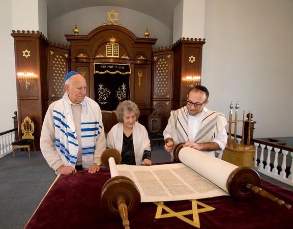 Rabbi Avi Poupko aling with .... read from the Torah