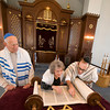 Rabbi Avi Poupko read the Torah with