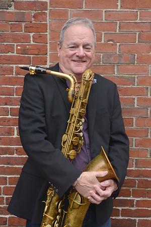 JIM VAIKNORAS/Staff photo Musician Danny Harrington off Pleasant Street in Newburyport