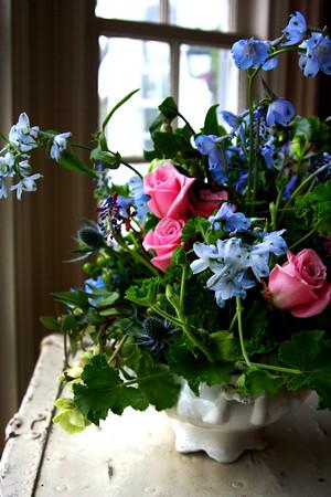 JIM VAIKNORAS/Staff photo Rory Weinberg flower arraingment by photographer  Megan Francis Photography.