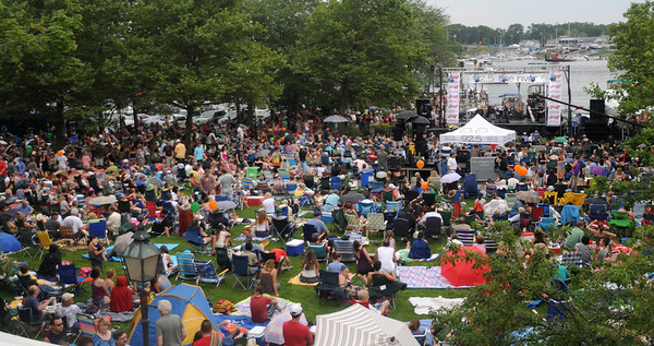 Newburyport: People fill Market Landing Park for the 11th annual Riverfront Festival at in Newburyport Saturday. 2012 Jim Vaiknoras/staff photo ORG XMIT: m6uuy977