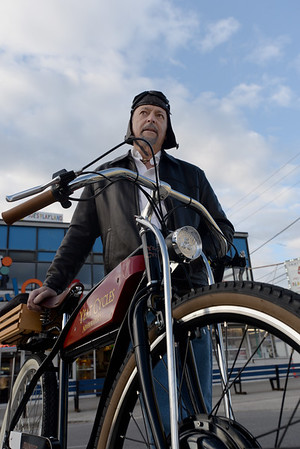 JIM VAIKNORAS/Staff photo Stewart D. Shernan, Designer and Builder of the Yeat Cycle