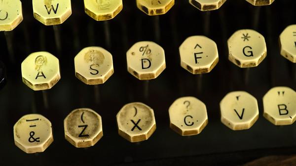 JIM VAIKNORAS/Staff photo Ivory keys on a vintage Oliver Typewitter $135 at Oldies.