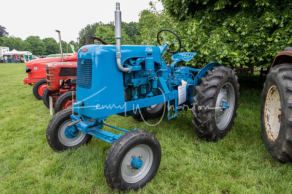 JAV 457 1953 Newman E2 tractor