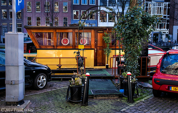 Welcome to our houseboat, along the canals in Amsterdam