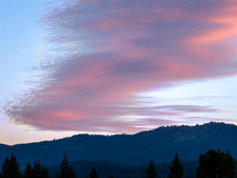 Zig-Zag Cloud Pattern at Sunset
