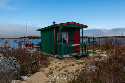 Howie's Fishing Hut
