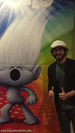 josh groban 8/14/16 ‏ @VicBergerIV catching a flick on my day off