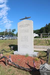 Sub memorial (2)