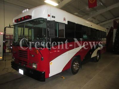 04-19-16 NEWS Hicksville bus